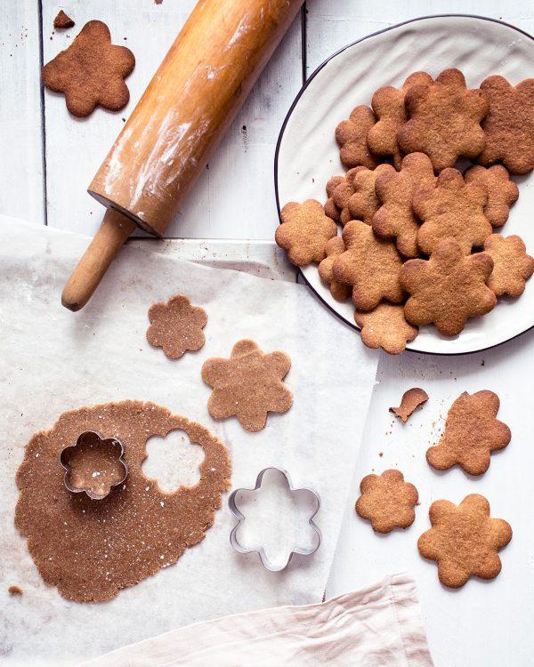 Vegan & gluten-free gingerbread cookies