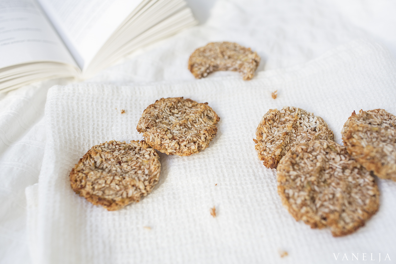 3 Ingredient Cinnamon Cookies