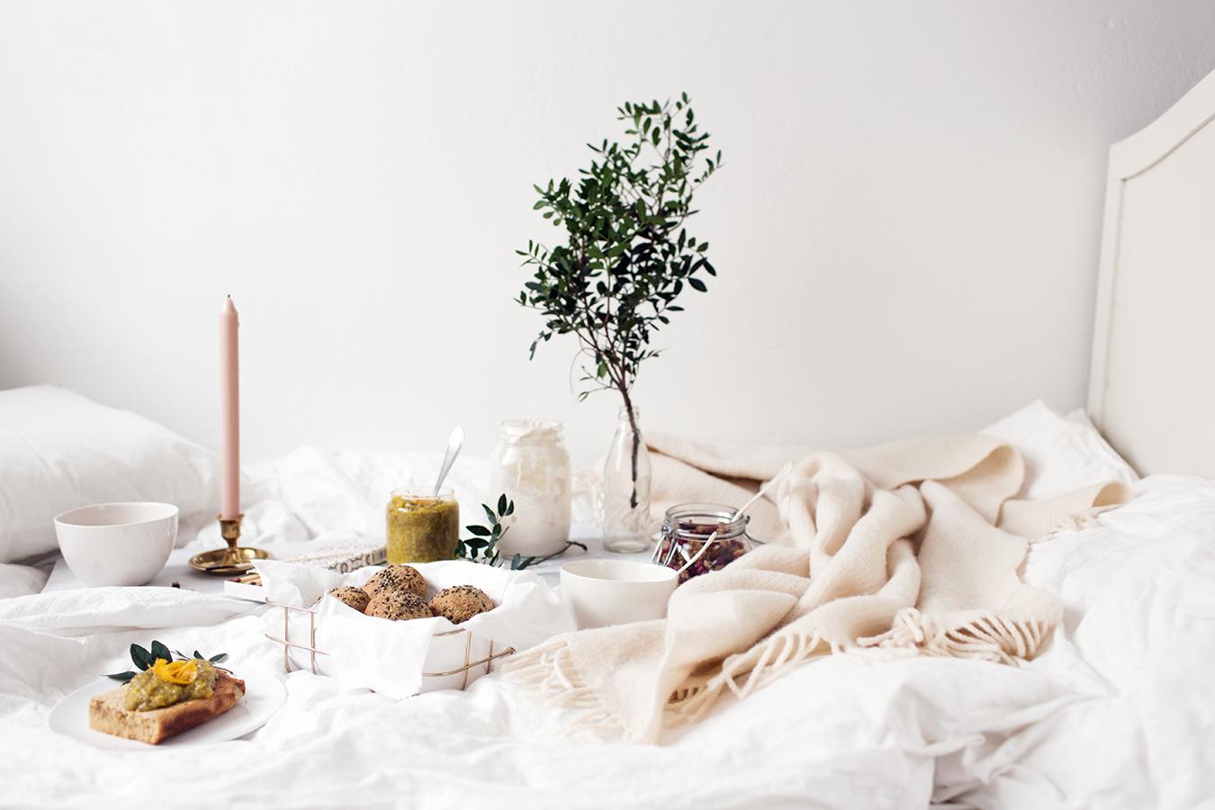 Sunnuntai sängyssä