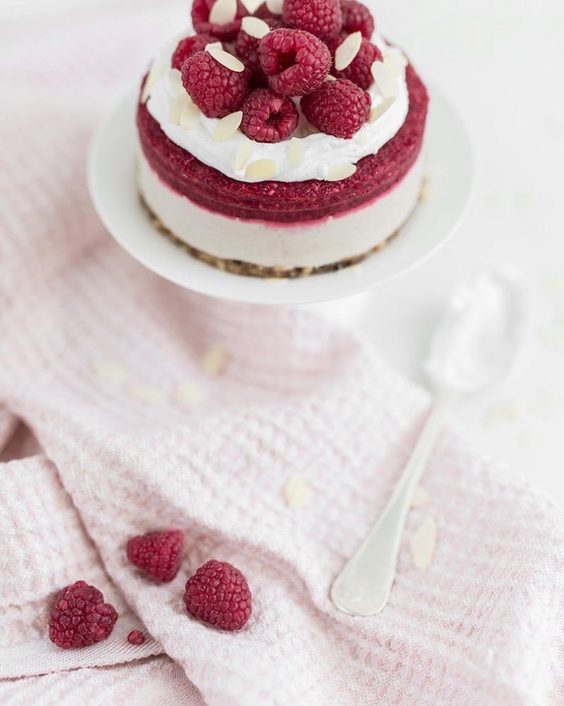 Creamy Raspberry Cake