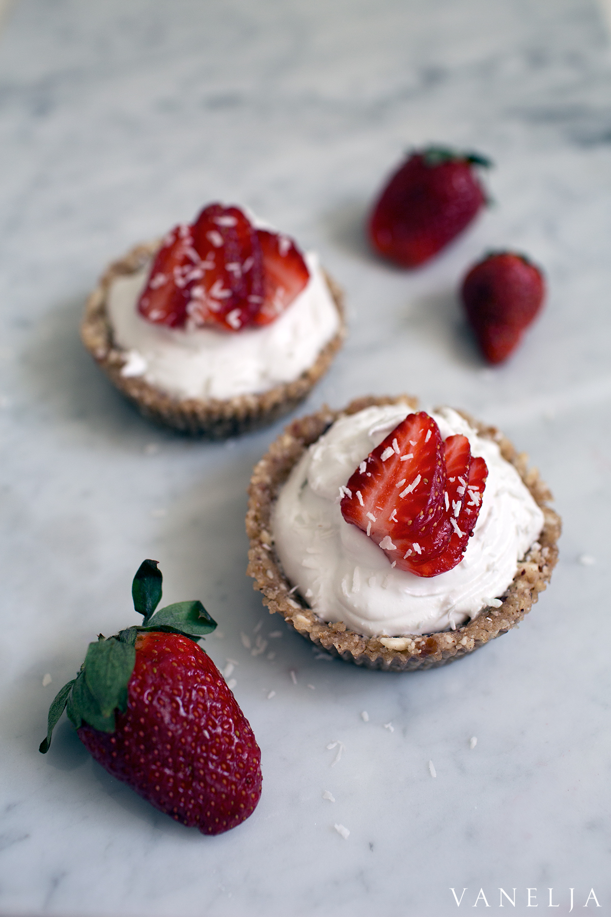 Strawberries and Rose cream mini tarts