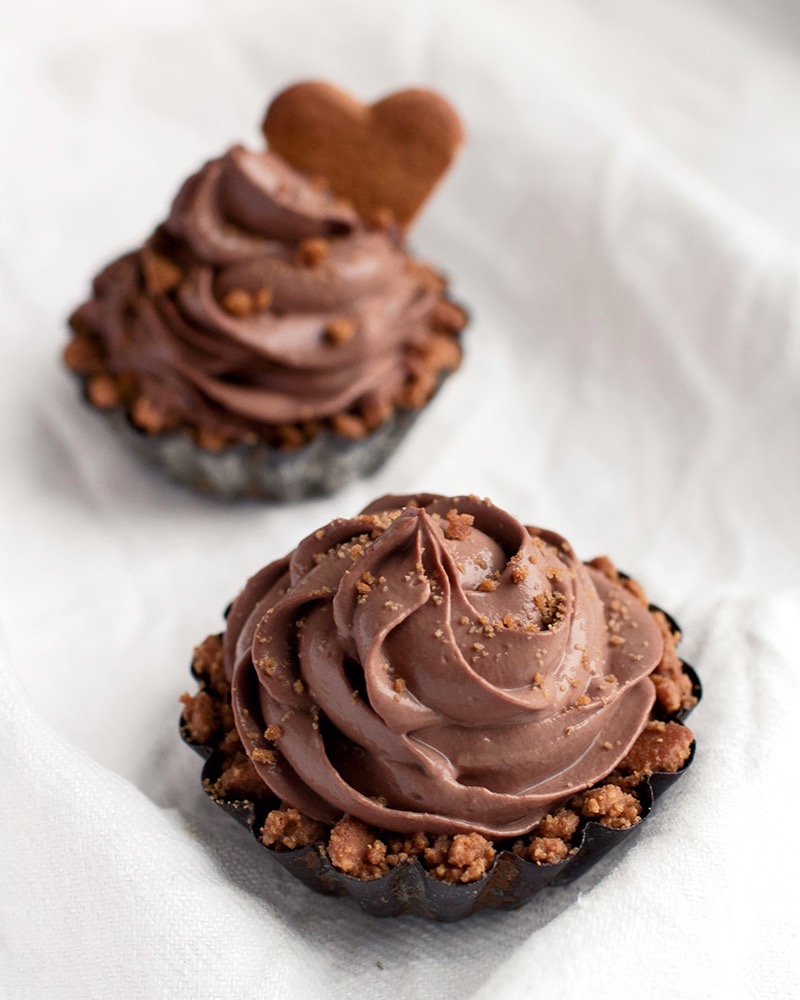Tofu chocolate mousse ginger bread cupcakes