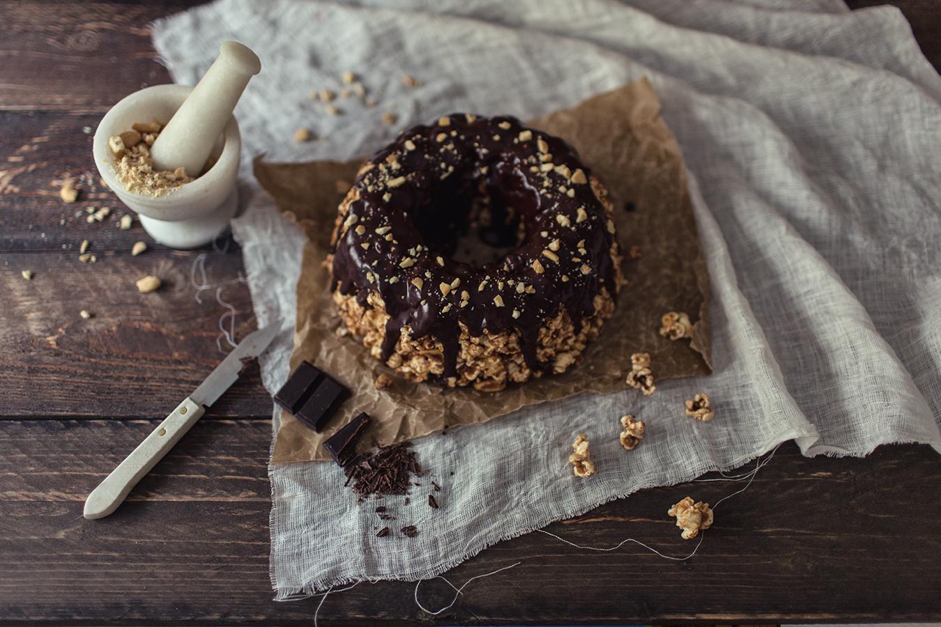 Peanut butter popcorn cake